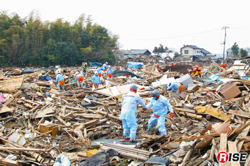 仙台東部道路・名取IC付近で捜索活動を行う緊急消防援助隊・長野県大隊。