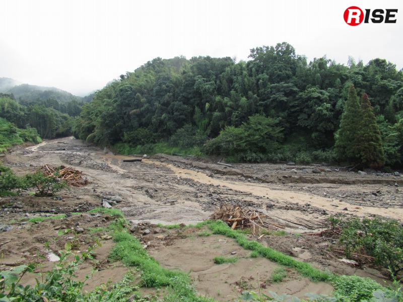 土砂の激しい流れと堆積物により姿を変えてしまった河川。