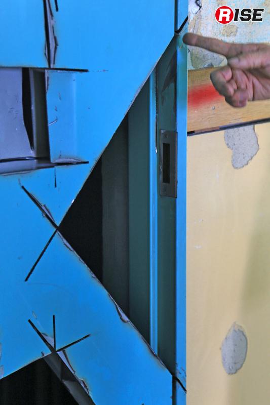 研究会が実践しているドア枠2辺カット。鍵箱ごと解除してしまう上級者向けの手法だ。