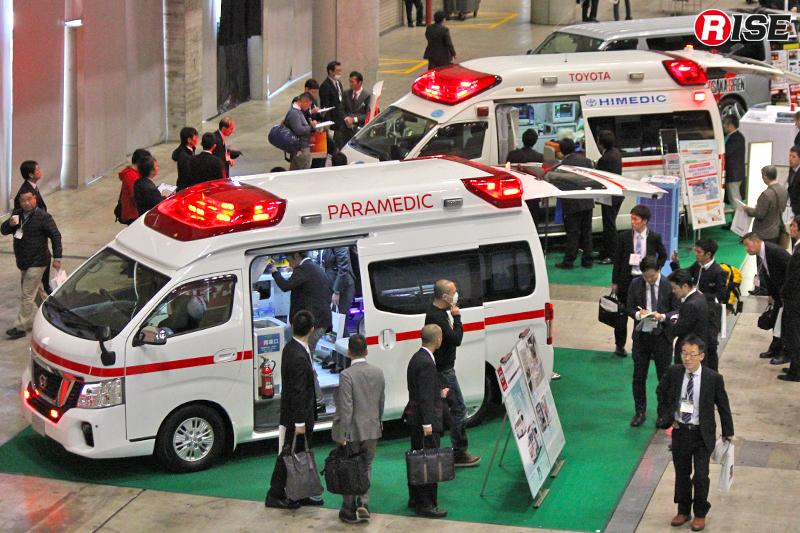 「救急資器材展2017 in CHIBA」の会場にて常に人の波が途切れなかった車両出展コーナー。