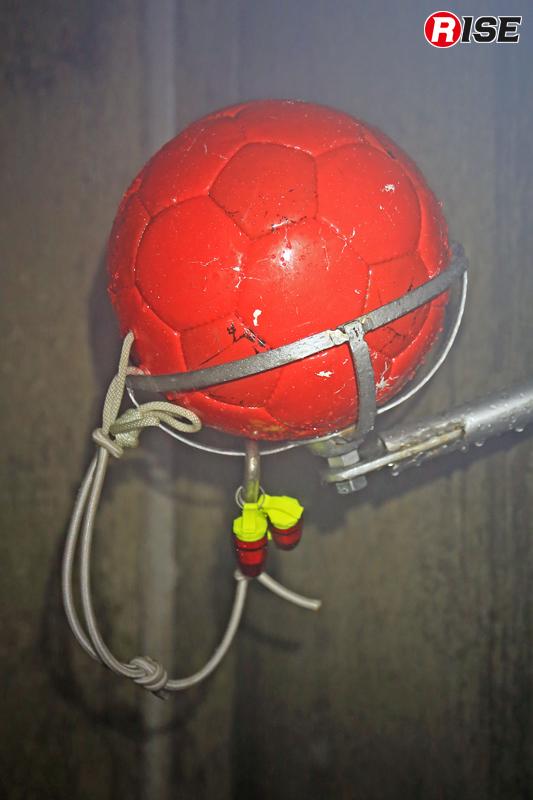 火炎標的。このボールを放水で落下させると想定終了。
