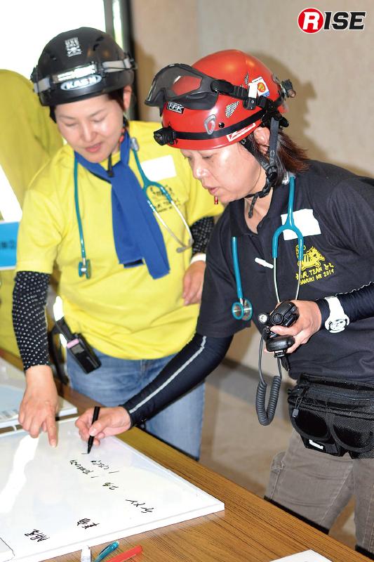 【多数傷病者シナリオ】 前進指揮所に責任者が残り各局面からの情報を集約し活動を行う。