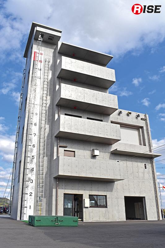 会場となった遠賀郡消防本部の主訓練塔。