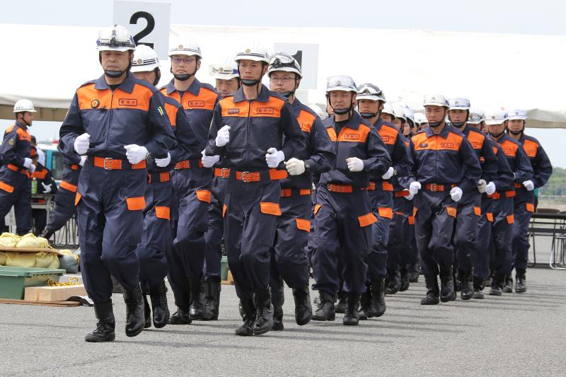 都内11署、約100名の警察官が集結してレスキュー競技大会が実施された。