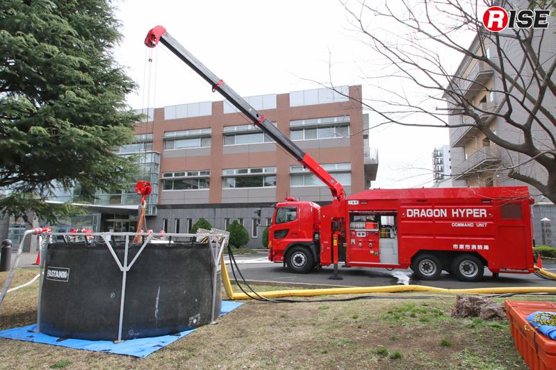 今回の実演訓練で送水を担った市原市消防局の大容量送水ポンプ車。