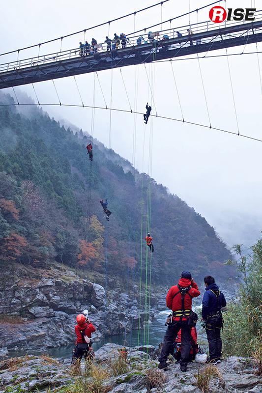 1チーム6名のリレー方式で行われた30m登はん競技。