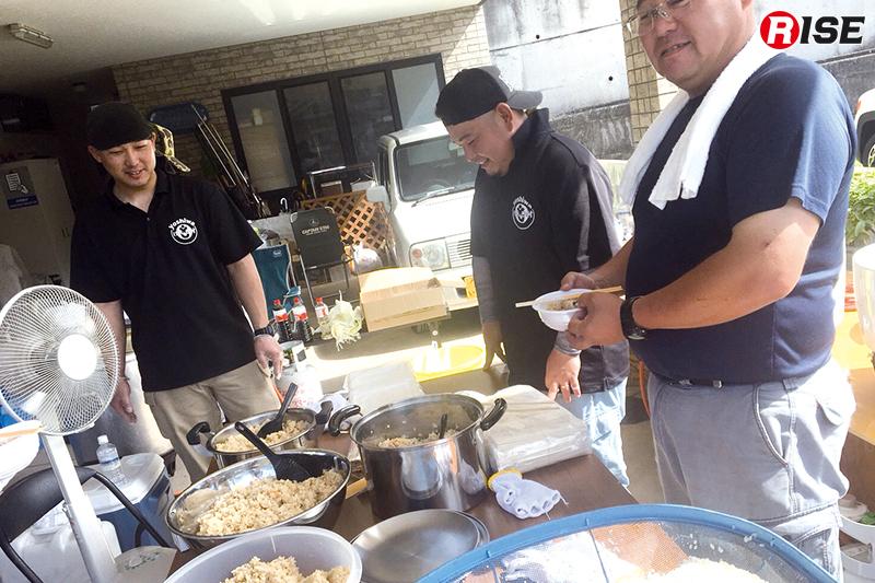 別の消防団仲間は500人分の炊き出しをして避難所や現場に配布してくれた。