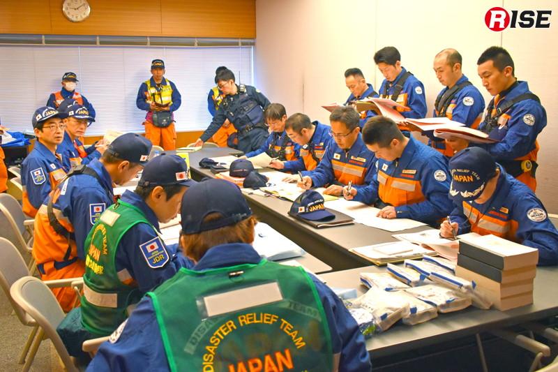 幹部ミーティングが行われ、部隊編成も決められる。