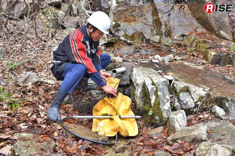 小川にてジェットシューターへ給水。