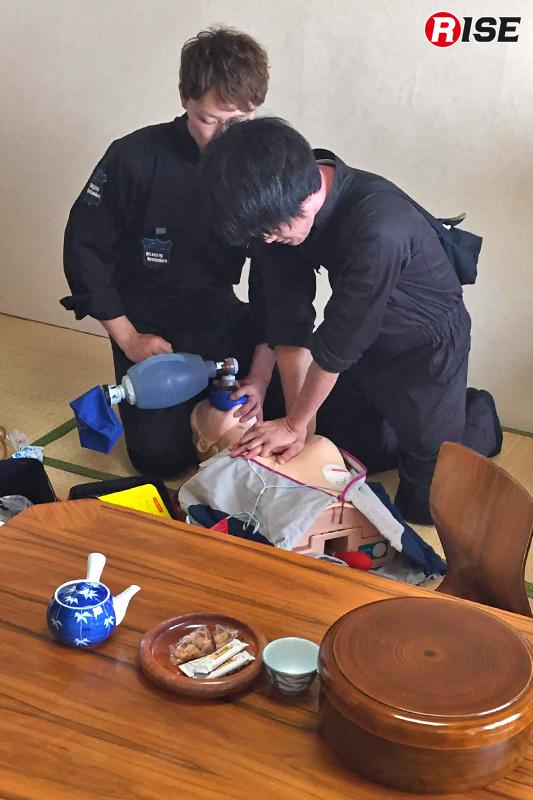 【DNARシナリオ】 現着すると高齢男性がCPA状態。CPRと並行し情報収集を行う。