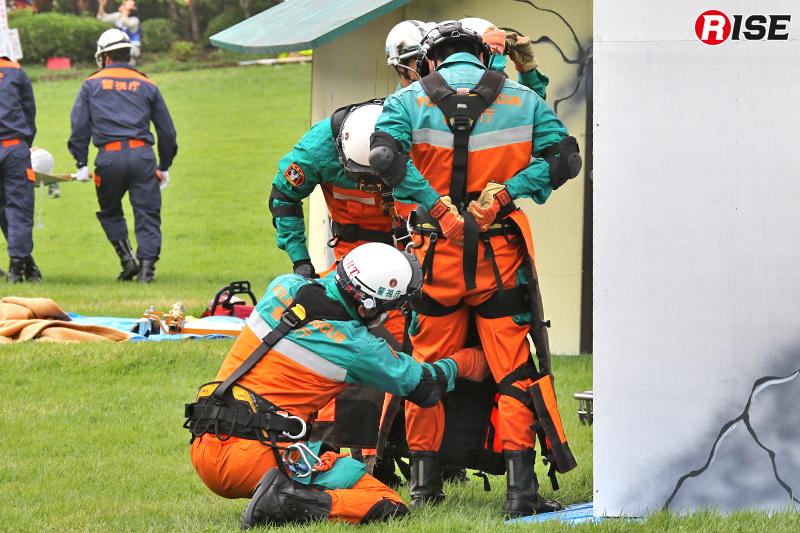 下肢の切創防止用防護衣の着用等義務化後に行われた2019年の防災訓練では、早速チェーンソー使用者がチャップスを着用していた。
