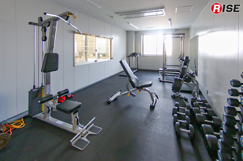 効果的な体力錬成が行えるトレーニングルーム。