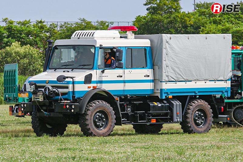 【避難誘導・水防工法訓練】高性能救助車(ウニモグ)も活動をサポート。